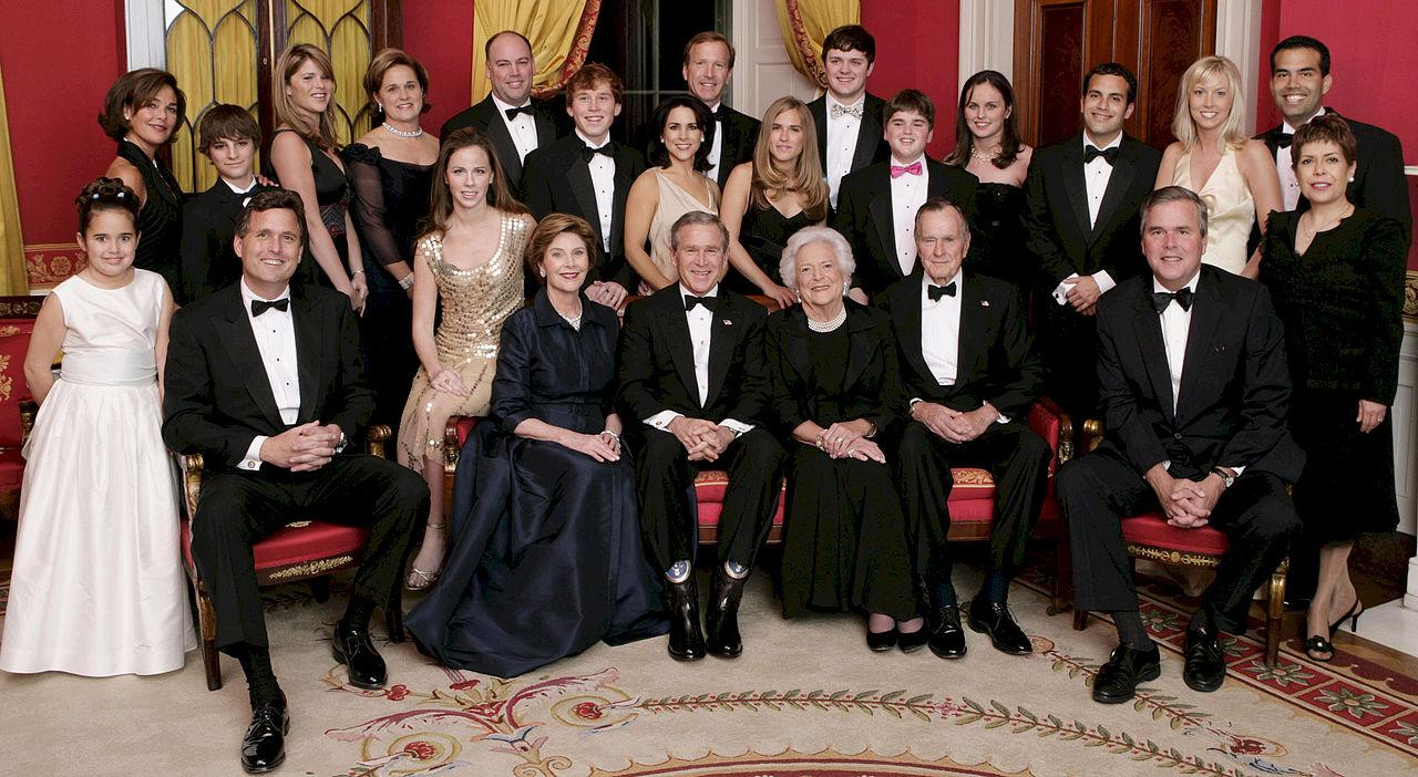1280px George W. Bush and family